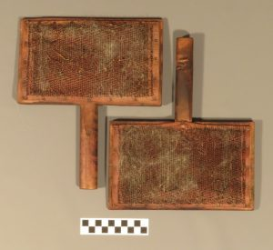 Pair of wool cards, KIGHF.RA.0008