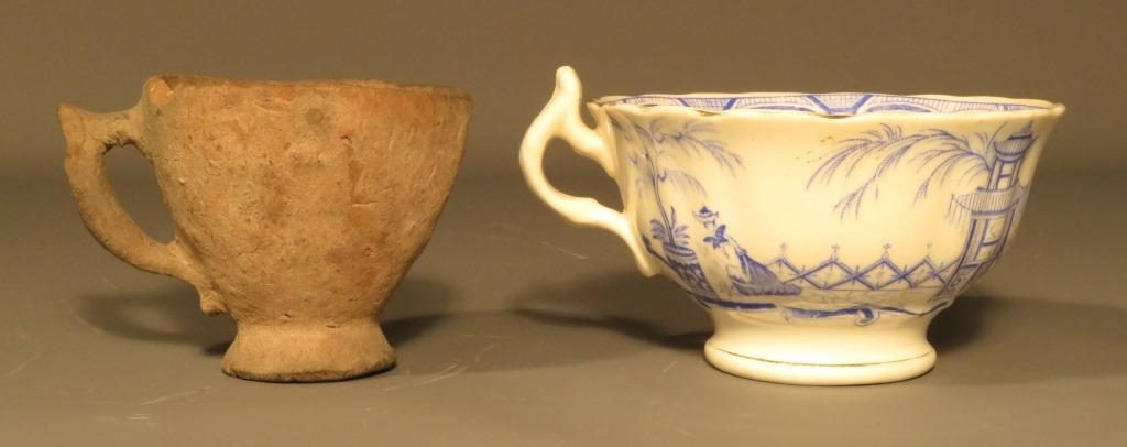 Barvas cup (KIGHF.2017.038.a) next to a typical factory produced china cup. Note the similar styling of the handle and foot.