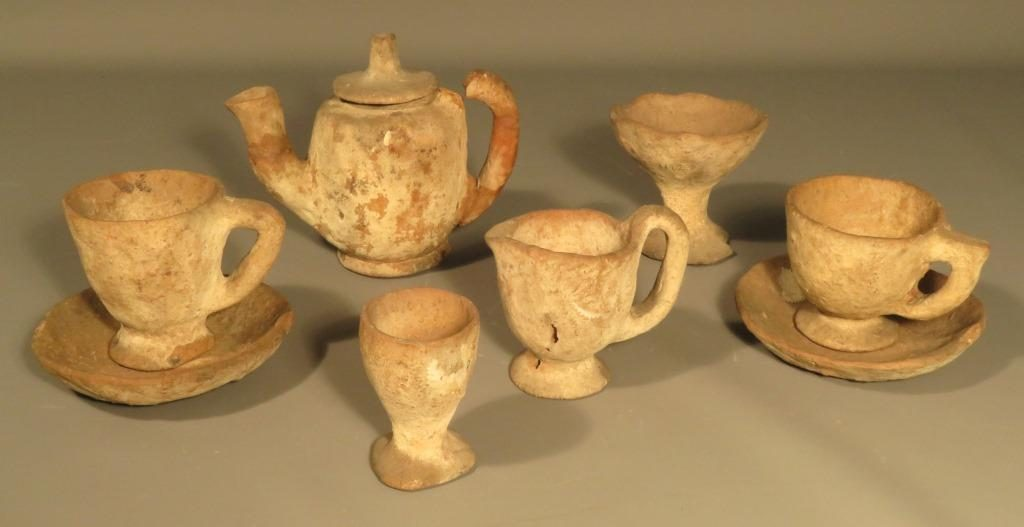 Pieces of Barvas Ware donated by Mrs Quiggin, who is mentioned in I.F. Grant's Highland Folkways as having seen pots being made first-hand by the women of Barvas.